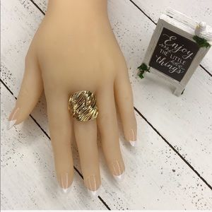 Jewelry - Fashion Gold Ring